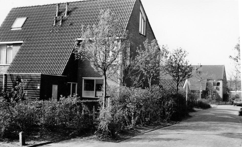 Ons huis in 1993: entree aan de koude NO-kant