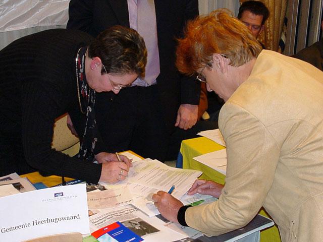 Wethouder Mulder en gedeputeerde Wildekamp
