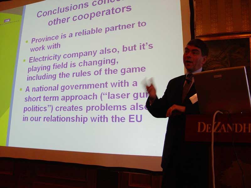 3 nov 04: RJ Piet op symposium HHW 'Nieuwe Energie in Uitvoering'