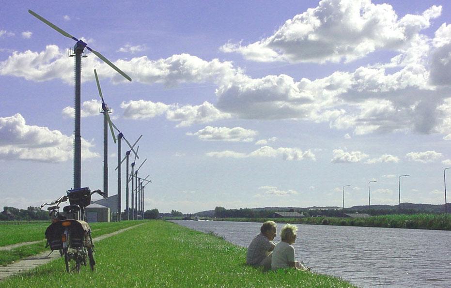 Rusten bij windmolens Kennemerwind