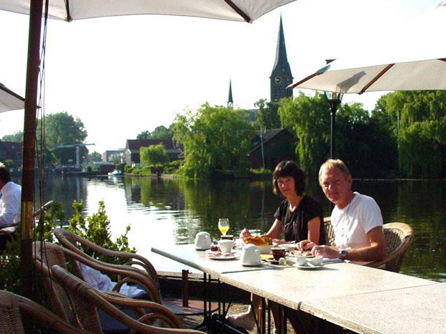 Ontbijt van ons hotel aan de Amstel