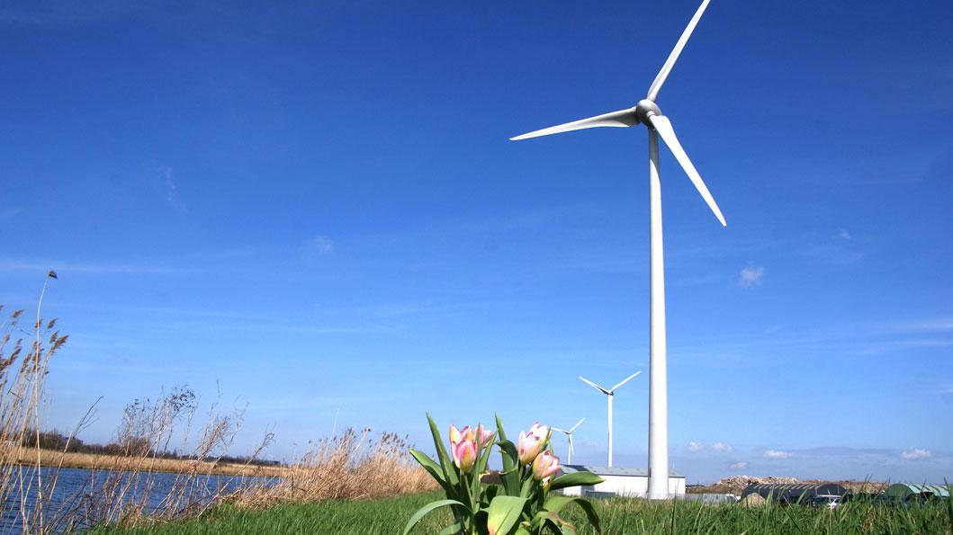 Windmolens, zon en water. Wat wil je nog meer...