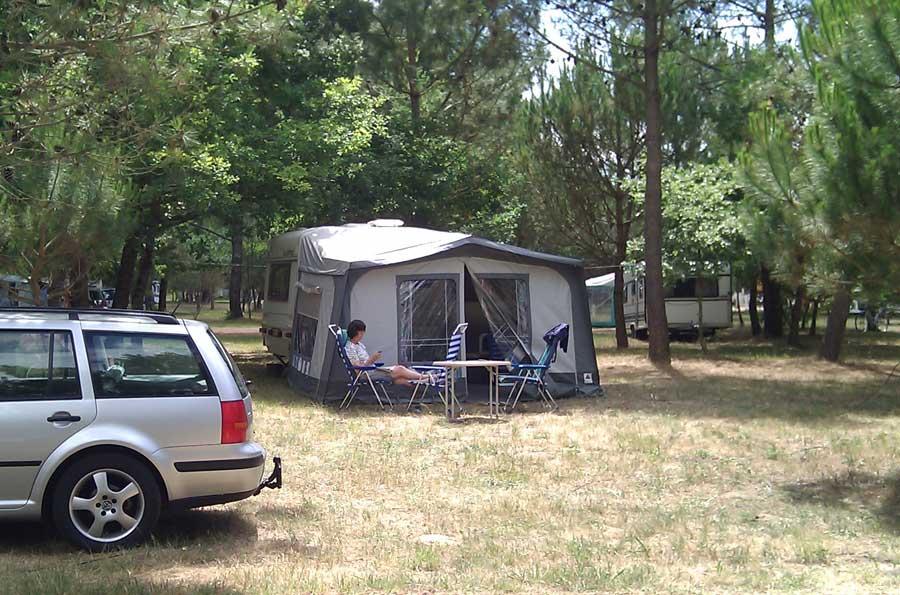 Voor het eerst in de caravan op de camping in Fouasse